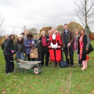 Tree Planting Finsbury Park By 3 Mayors